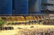 Akhirnya, 50 Ton Tumpahan Minyak Sawit Mentah Disedot dari Teluk Bayur