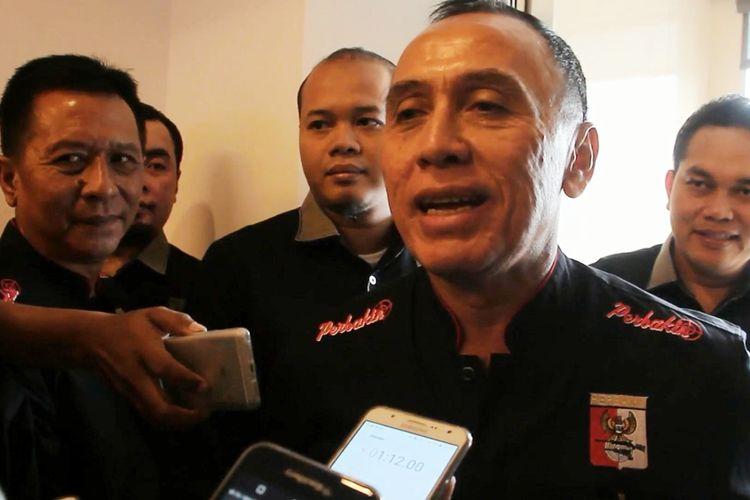 Kapolda Metro Jaya, Irjen Pol M Iriawan memberikan keterangan terkait pengembangan kasus satu ton sabu, di salah Hotel Cirebon, usai melantik Perbakin, Jumat (14/7/2017). Iriawan menyampaikan satu pelaku yang kabur sudah berhasil ditangkap Kamis malam tak jauh dari lokasi awal.
