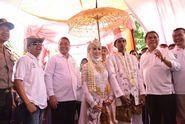 Ketika 2 Menteri dan 1 Bupati Jadi Tamu Tak Diundang di Pernikahan Warga