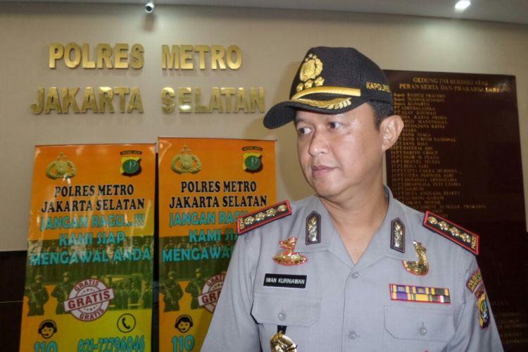 Kapolres Jakarta Selatan Kombes Pol Iwan Kurniawan saat menggelar jumpa pers di Polres Jakarta Selatan, Kamis (10/8/2017).
