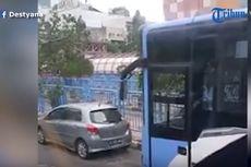 Pengemudi Mobil Marah-marah dan Hadang Transjakarta di Blok M