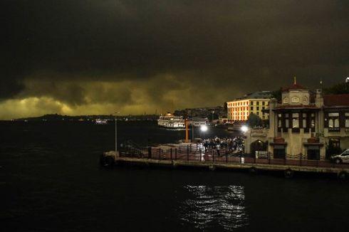 Istanbul Diguyur Hujan Es Sebesar Bola Golf, 10 Orang Luka