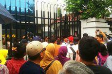 Tak Kunjung Terima Sertifikat, Puluhan Warga Ulujami Mendemo Kementerian ATR/BPN