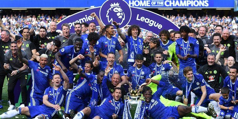 Chelsea menjuarai Premier League 2016-2017.