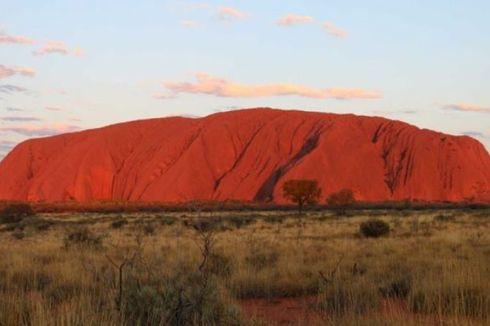 Mulai 2019, Wisatawan Dilarang Mendaki Ayers Rock di Australia