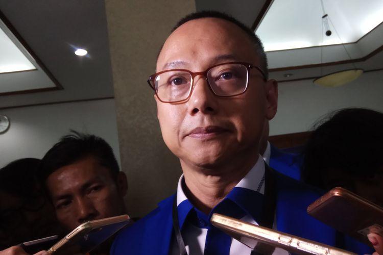 Sekretaris Jenderal DPP Partai Amanat Nasional (PAN), Eddy Soeparno masih enggan mengungkapkan apakah partainya akan mendukung Joko Widodo dalam pemilihan presiden (Pilpres) 2019 mendatang. Jakarta, Jumat (13/10/2017).