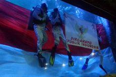 Aurelie Moeremans Deg-degan Kibarkan Bendera Merah Putih dalam Air