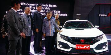 Kunjungan Wapres Jusuf Kalla ke Pameran Otomotif 2017