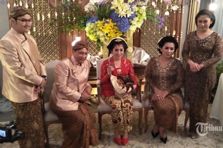 Kepala Badan Narkotika Nasional (BNN) Komjen Pol Budi Waseso melaksanakan upacara siraman putrinya Nindya Nur Prasasti di kediamannya di kawasan Bulungan, Jakarta Selatan, Jumat (1/9/2017).