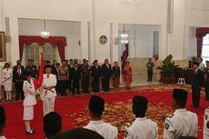 Jokowi Kukuhkan Anggota Paskibraka 2017 di Istana Negara