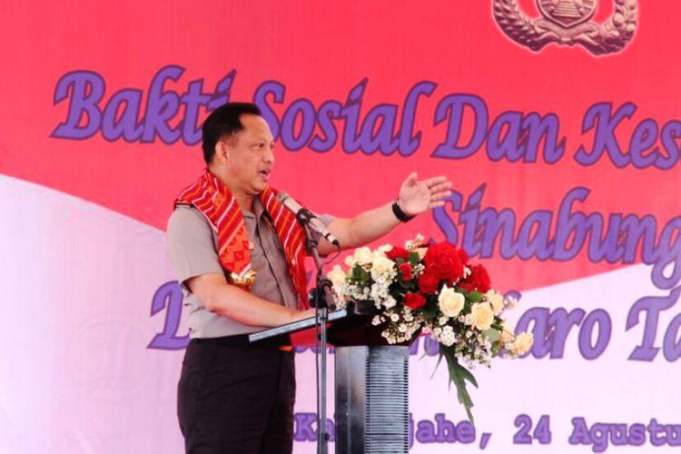 Kapolri Jenderal Polisi Tito Karnavian menemui para pengungsi Gunung Sinabung di Kabupaten Karo, Sumatera Utara, Kamis (24/8/2017)