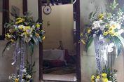 Ibunda Polisi yang Gugur dalam Ledakan Bom Kampung Melayu Menangis Histeris