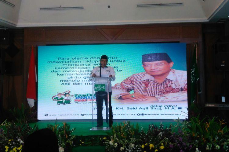 Ketua Umum Pengurus Besar Nahdlatul Ulama (PBNU) Said Aqil Siradj memberikan sambutan Grand Launching Hari Santri 2017, di Jakarta, Kamis (10/8/2017).