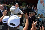 Abaikan ISIS, Paus Fransiskus Muncul dengan Mobil Terbuka di Kairo