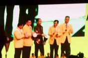 Jokowi Pilih Tetap Berdiri Saat Pembacaan Ikrar dan Hymne Golkar