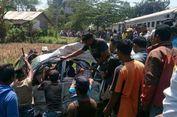Berhenti di Rel, Mobil Berisi Satu Keluarga Tertabrak Kereta Api, Satu Tewas, 3 Luka Parah