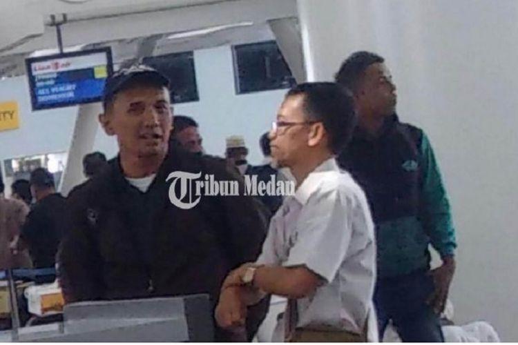 Pria diduga mirip mantan Gubernur Sumatera Utara, Gatot Pujonugroho