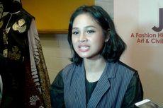 Andien Bangga Kenakan Kain Indonesia