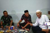 Sembari Silaturahim ke Tokoh Ulama, Ganjar Salurkan Zakat ASN Jateng