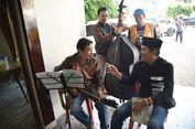 Bupati Purwakarta Mengamen di Yogyakarta
