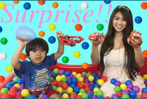 Cerita di Balik YouTuber yang Kaya gara-gara Video Mainan