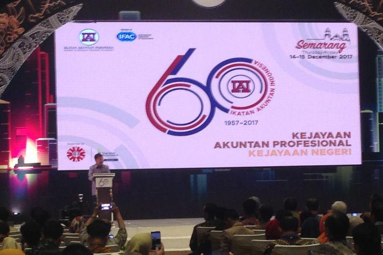 Wakil Presiden Jusuf Kalla saat memberi paparan di peringatan akuntan Indonesia di Semarang, Kamis (14/12/2017).(Kompas,com/Nazar Nurdin)