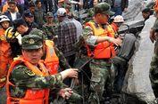Lebih dari 140 Orang Tertimbun Tanah Longsor di China