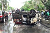 Kronologi Tewasnya Sopir di Dalam Angkot yang Terbakar