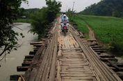 Jembatan Sunut Tinggal Pilar, Sudah Sebulan Warga Sebrangi Sungai