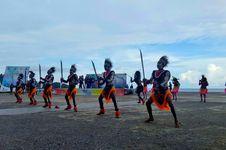 Ratusan Penari Tradisional Meriahkan Festival Bahari Raja Ampat 2017