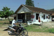 Rumah Tetangga Sudah Dibongkar untuk Proyek Tol, Kakek Ini Tetap Bertahan