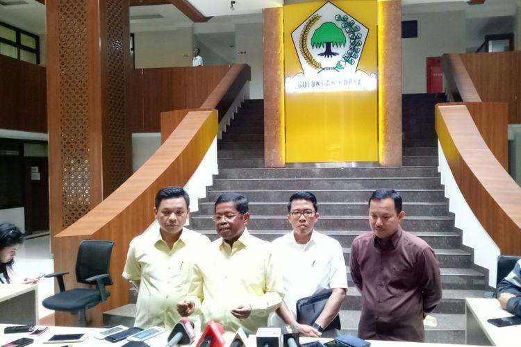 Sekjen Golkar Idrus Marham mengumumkan secara resmi partainya mengusung Ridwan Kamil di Pilkada Jawa Barat