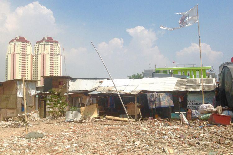 Kondisi kawasan eks-penggusuran Kampung Akuarium, Pasar Ikan, Jakarta Utara, Jumat (12/5/2017).