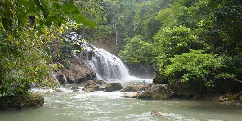 4234312831 » Melancong Ke Sumba, Kunjungi Lapopu, Air Terjun Tertinggi Di NTT