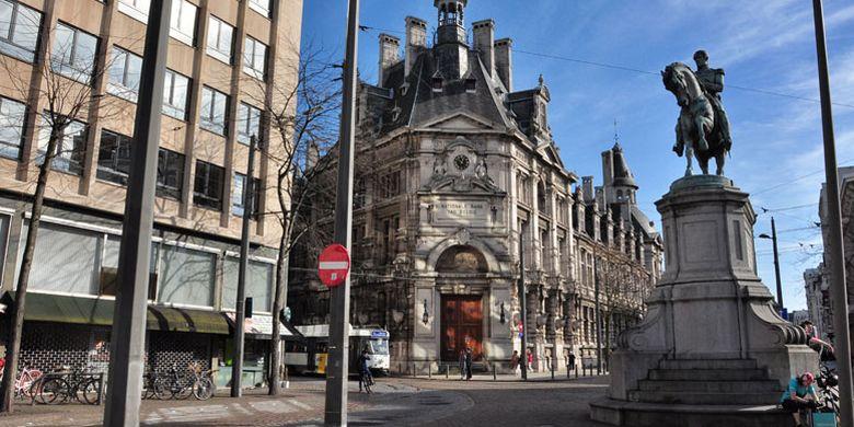 84941456 » Perjalanan Dari Brussel Ke Den Haag, Mampirlah Di Antwerp