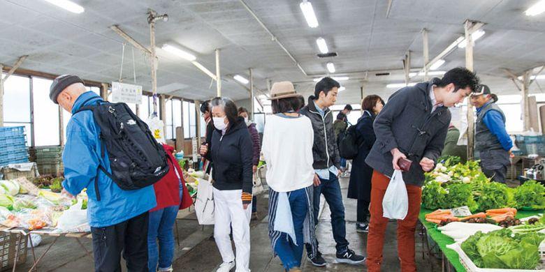 Pasar Renbai yang menjual sayuran khas Kamakura, Jepang.