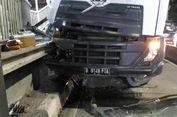 Truk Molen Tabrak Halte Transjakarta Pancoran Barat
