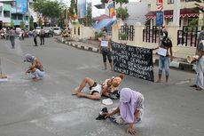 Pantai Suak Indrapuri Tercemar Batubara, Aktivis Gelar Aksi Teatrikal di Jalanan