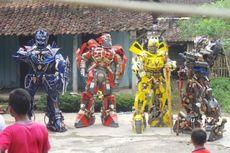5 Berita Nusantara Terpopuler: Robot Transformers Keliling Kampung hingga Tagar #WeTrustTN