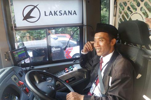 Cerita Pengemudi Kendarai Bus Transjakarta di Ketinggian 23 Meter...