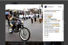 Gaya Menteri Susi Jajal Motor Trail di Jalanan Lombok