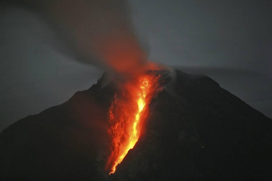 Abu Letusan Gunung Sinabung