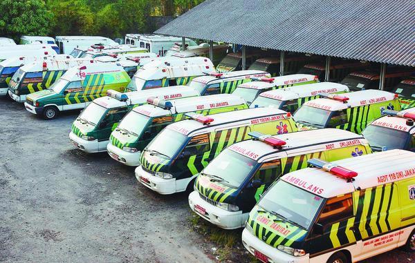 pmi membantu enam mobil ambulans sumbar. Black Bedroom Furniture Sets. Home Design Ideas