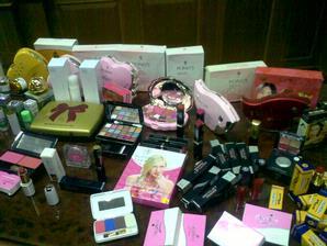 Hati-hati membeli kosmetik melalui online, bisa jadi mengandung bahan berbahaya