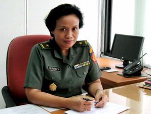 Brigjen Sri Parmini: Nembak Oke, Ngajari Nembak Mau