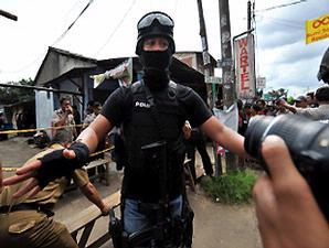 Kronologi Dua Penembakan Dua Teroris 2012