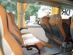 Merasakan Kenyamanan dan Ketangguhan Mercedes-Benz OH1521 Euro3