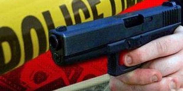 Dua Penjahat Nekat Rampas Pistol Polisi di Jalan