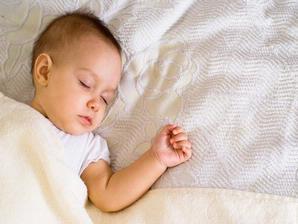 Mengatur Pola Sehat Tidur Anak