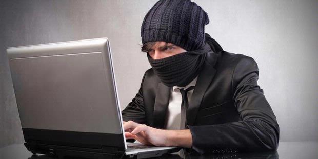 Foto Hacker Berhasil Bobol Database 10000 Akun Facebook Heboh